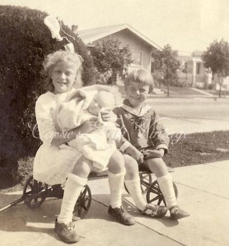 Hugo and Ada's children in California in 1923. (This photo was up for auction on eBay.)