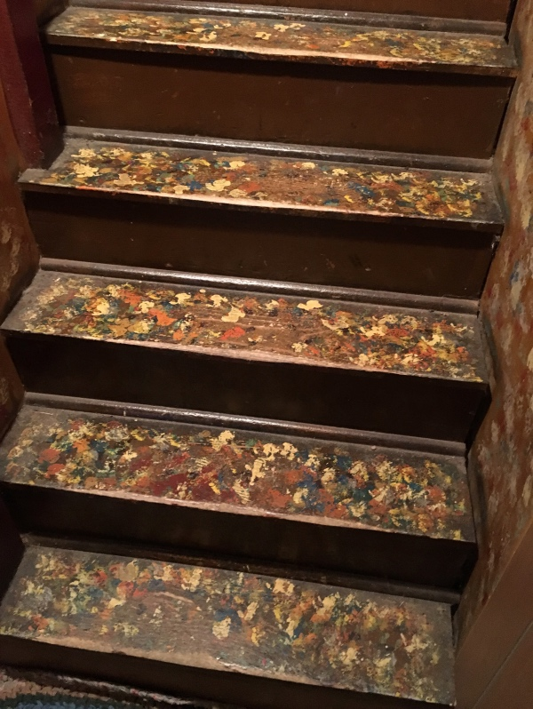 Maude added some decoration to the stairs.